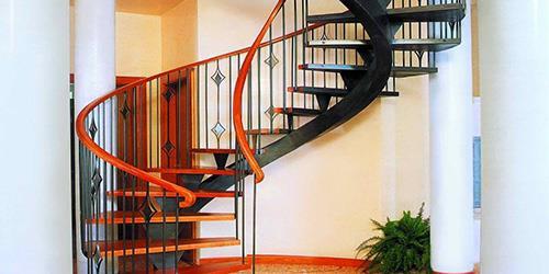 К чему снится лестница по толкованию разных сонников.