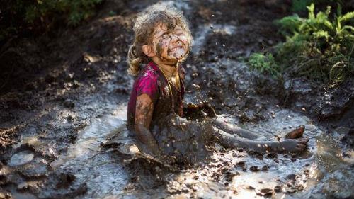 упасть в грязь
