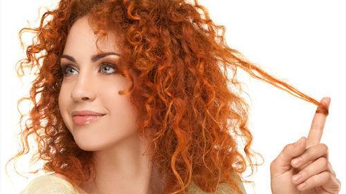 рыжие кудрявые волосы