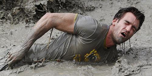 к чему снится купаться в грязи