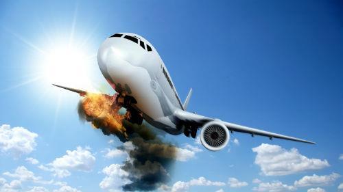 падение горящего самолета