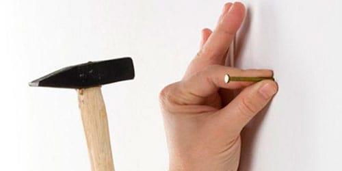 сонник забивать гвоздь в стену