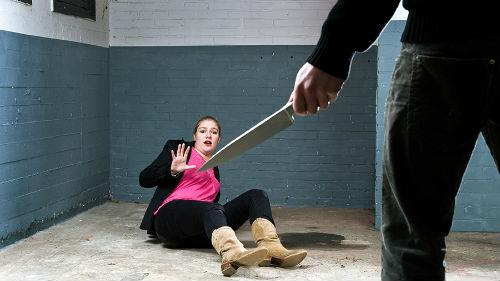 Я очень четко помню нож и того копа,который меня убил.