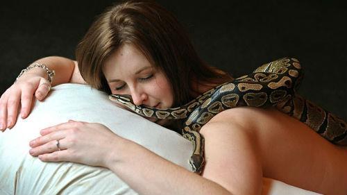 Зачастую все страшные события, появившиеся во сне, могут сигнализировать о некой неприятности.