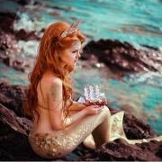 Девука у моря