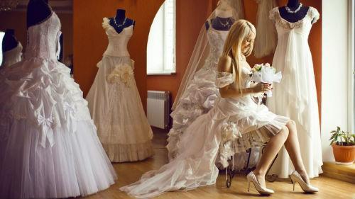 к чему снится примерять рваное свадебное платье незамужней