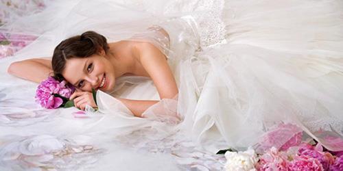 К чему снится девочка в платье