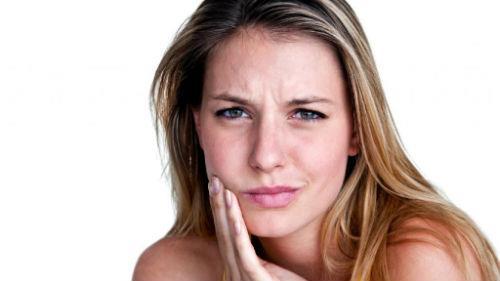 мучиться от зубной боли