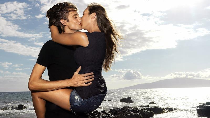 Со знакомым поцелуй сонник