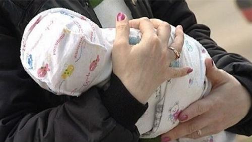 хотели украсть новорожденную девочку