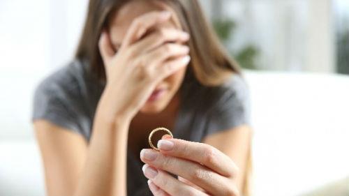 видеть обручальное кольцо