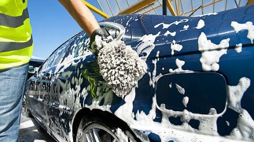 помыть машину самому
