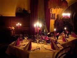 Стол со свечами