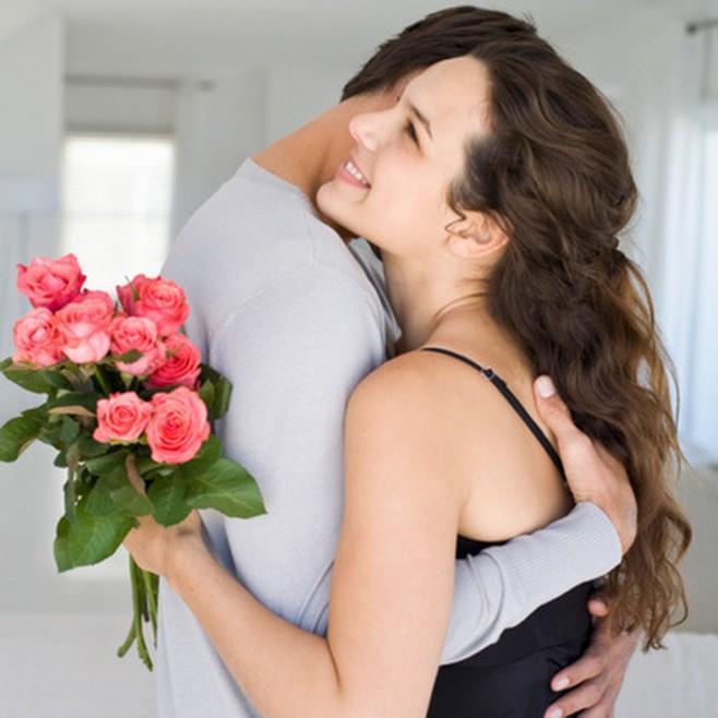 К чему снится женщина с цветами