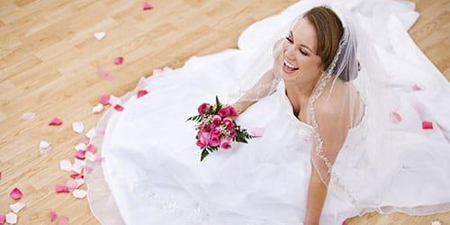 к чему снится одевать свадебное платье