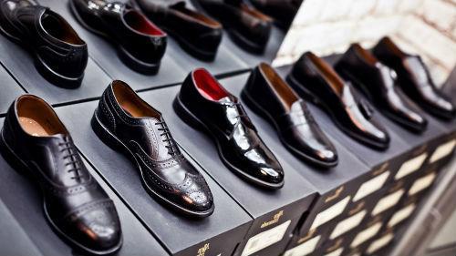 покупать обувь мужу