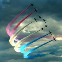 К чему снятся самолеты в небе