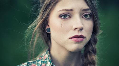 к чему снится плакать девушке