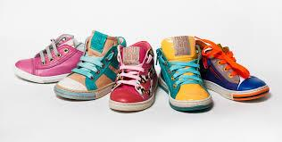 К чему снится счищать грязь с обуви фото