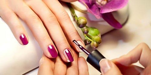 красить ногти во сне