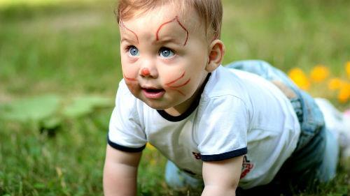маленький ребенок мальчик