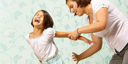 избиение дочери во сне