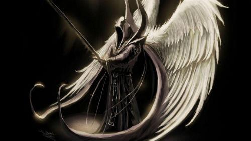 черный ангел с крыльями