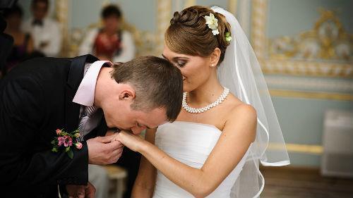 выходить замуж за незнакомого парня