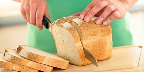 резать хлеб