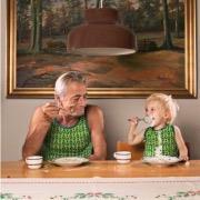 дедушка и малыш