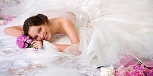 Девушка в свадебном платье во сне
