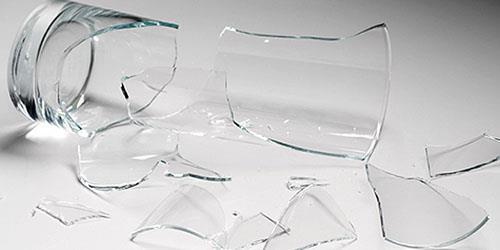 разбить стакан