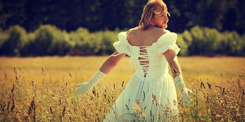 к чему снится мужчина в платье
