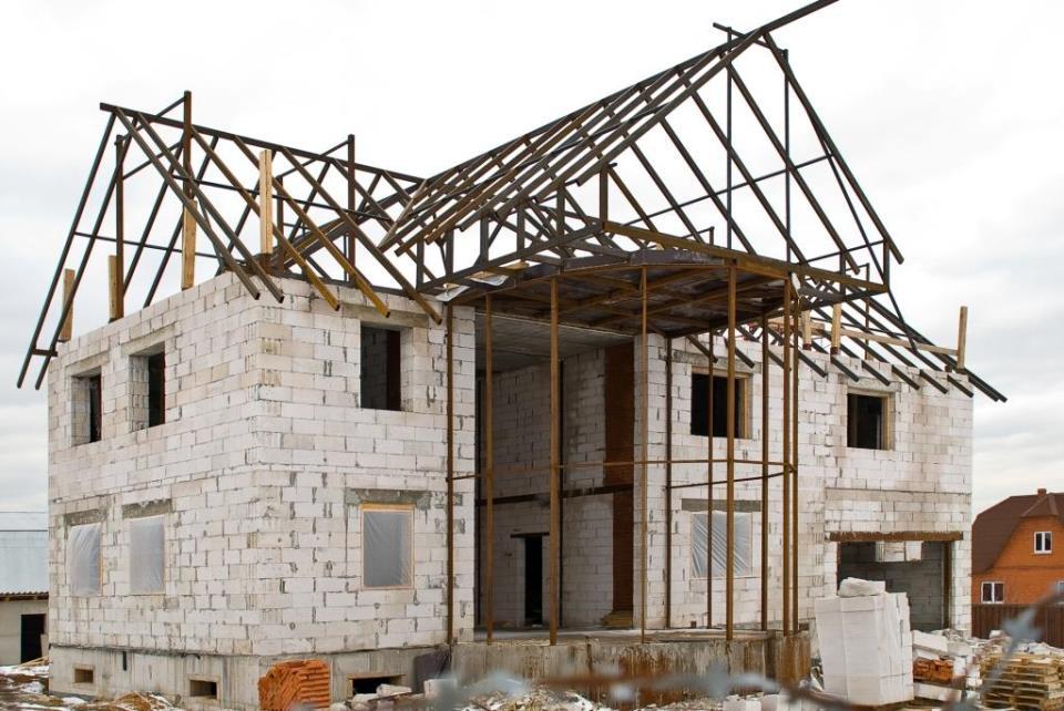 к чему снится строить крышу