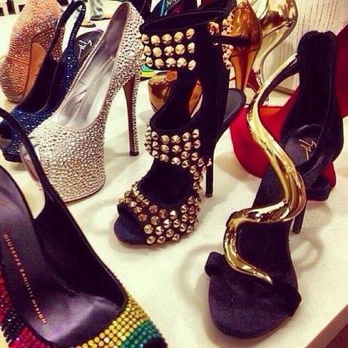 сонник разные туфли