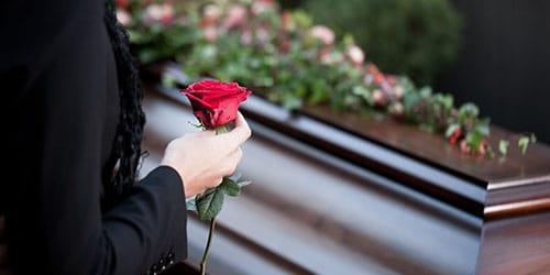 приснился гроб с живым человеком